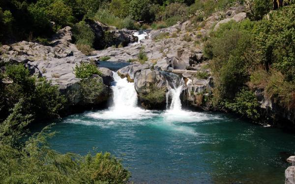 Uno scorcio del fiume Alcantara in Sicilia
