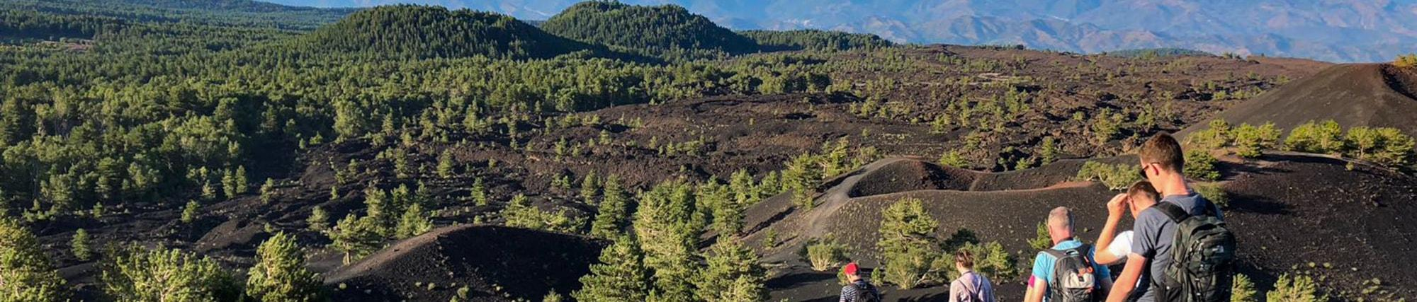 Trekking tra i crateri del Monte Etna