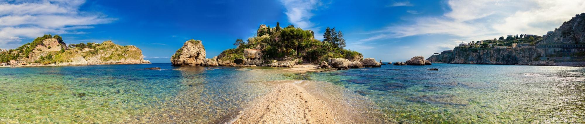 Panorama dell'Isola Bella a Taormina